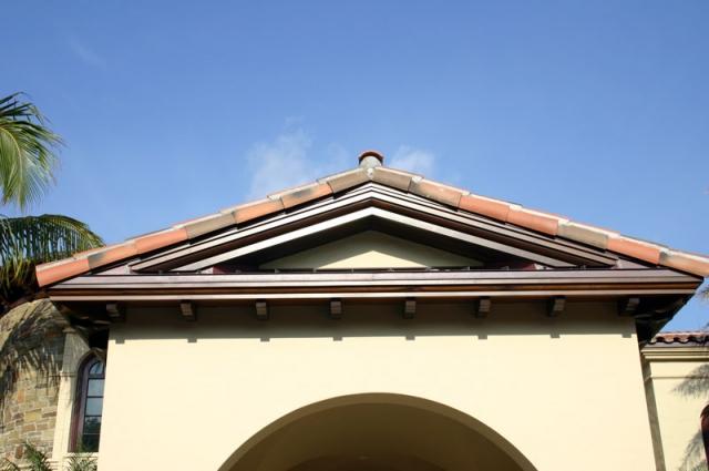 Custom Wood Roof Brackets